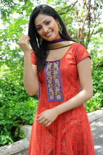 actress hari priya hd hot spicy  boobs n navel pics photos images18