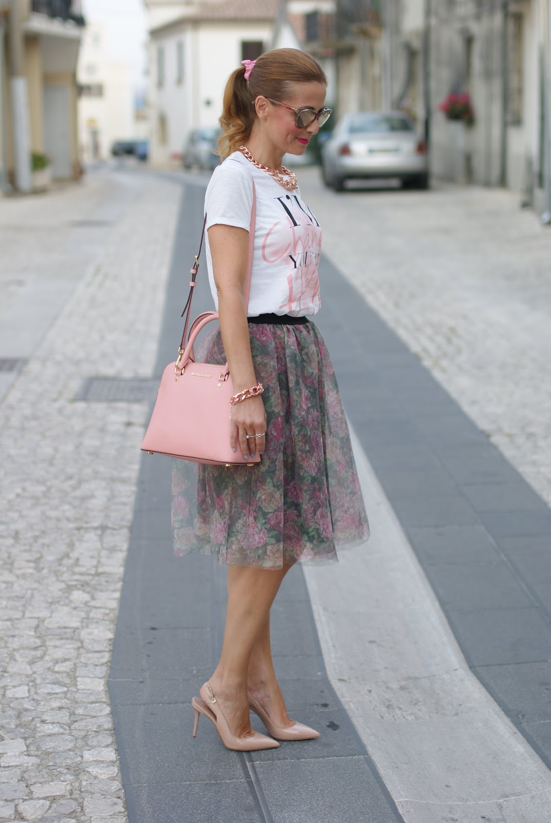 Walktrendy tulle skirt and Le Silla pumps for a pink romantic outfit on Fashion and Cookies fashion blog
