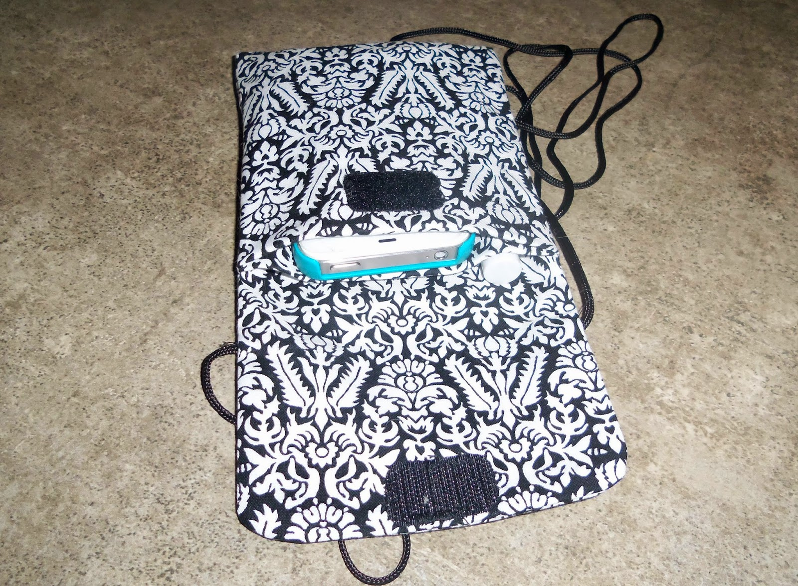 Quiltsmart Cell Phone bag with phone, lipgloss and cards