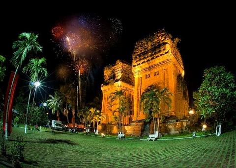 Tòa tháp đôi Quy Nhơn, Những hình ảnh đẹp về Bình Định