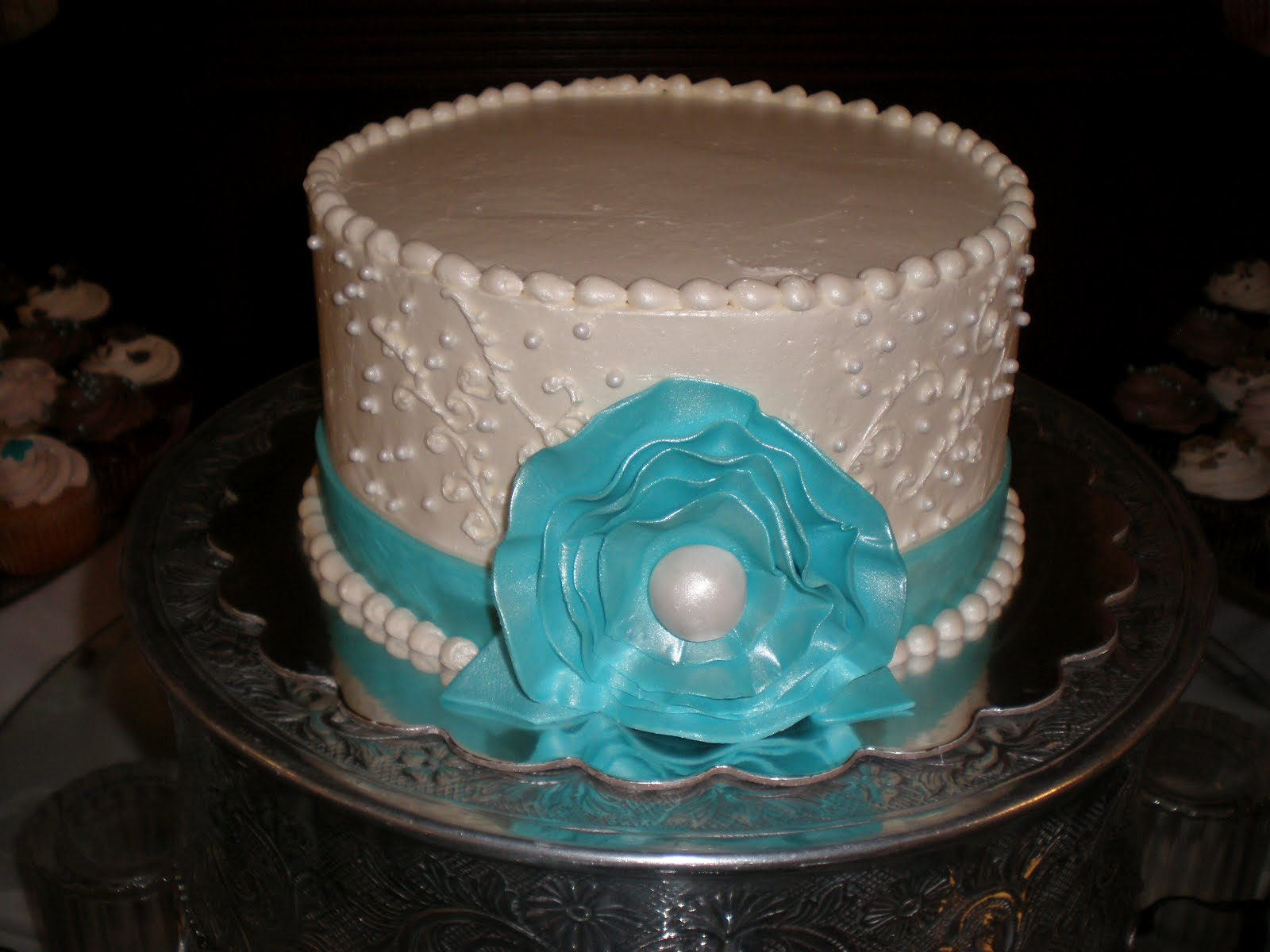 1000 images about Tiffany Blue Cakes on Pinterest