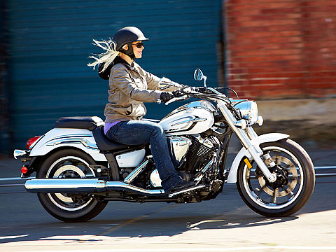 2013 Yamaha V-Star 950 Motorcycle Photos, 480x360 pixels