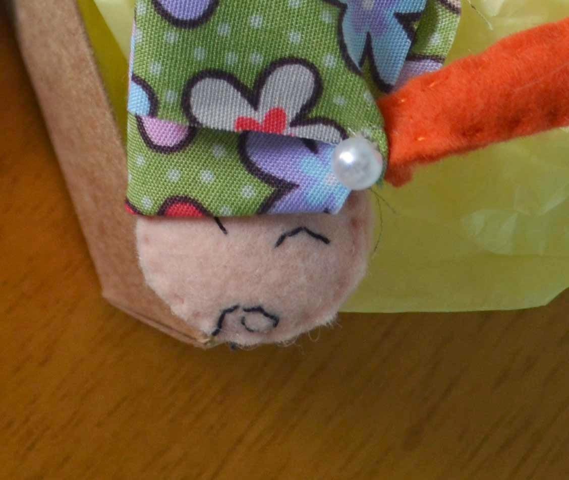 Cegonha em feltro DIY para  anunciar maternidade