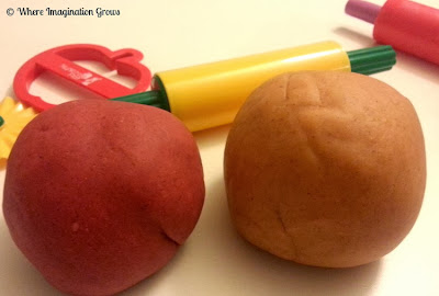 pumpkin apple pie scented playdough