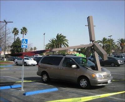 http://3.bp.blogspot.com/-s9DxLnLiqOw/TnV5qP7TXkI/AAAAAAAADBA/mEvA-s1DY4g/s1600/Epic+Parking+Fail+%25281%2529.jpg