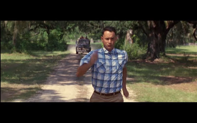 Tom Hanks intepretando a Forrest Gump
