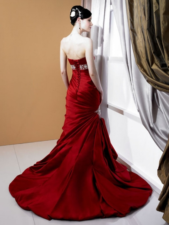 Elegant Bridal Style Red Wedding Dress