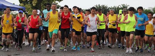 KELAB ROADRUNNERS IPOH    怡保竞跑俱乐部