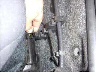 Ouvrir le capot moteur (supérieur) 4