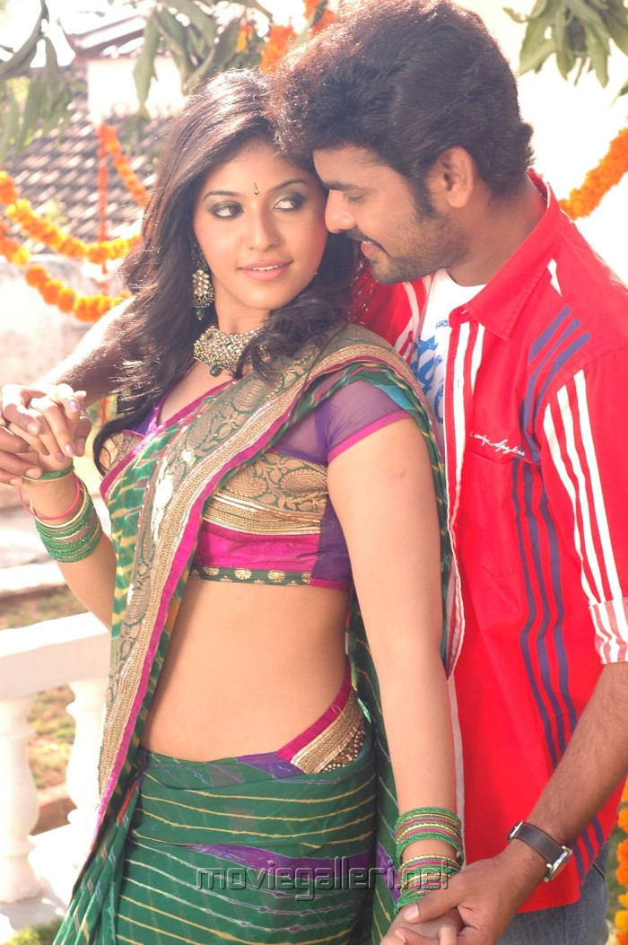 Anjali Navel View in Saree -  Anjali new movie hot saree pics