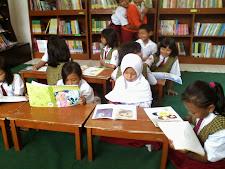 Perpustakaan SDN Gunung Anyar Tambak 628 Surabaya