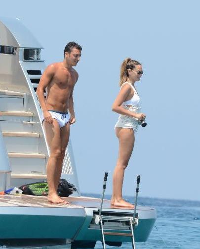Mandy Capristo And Ozil