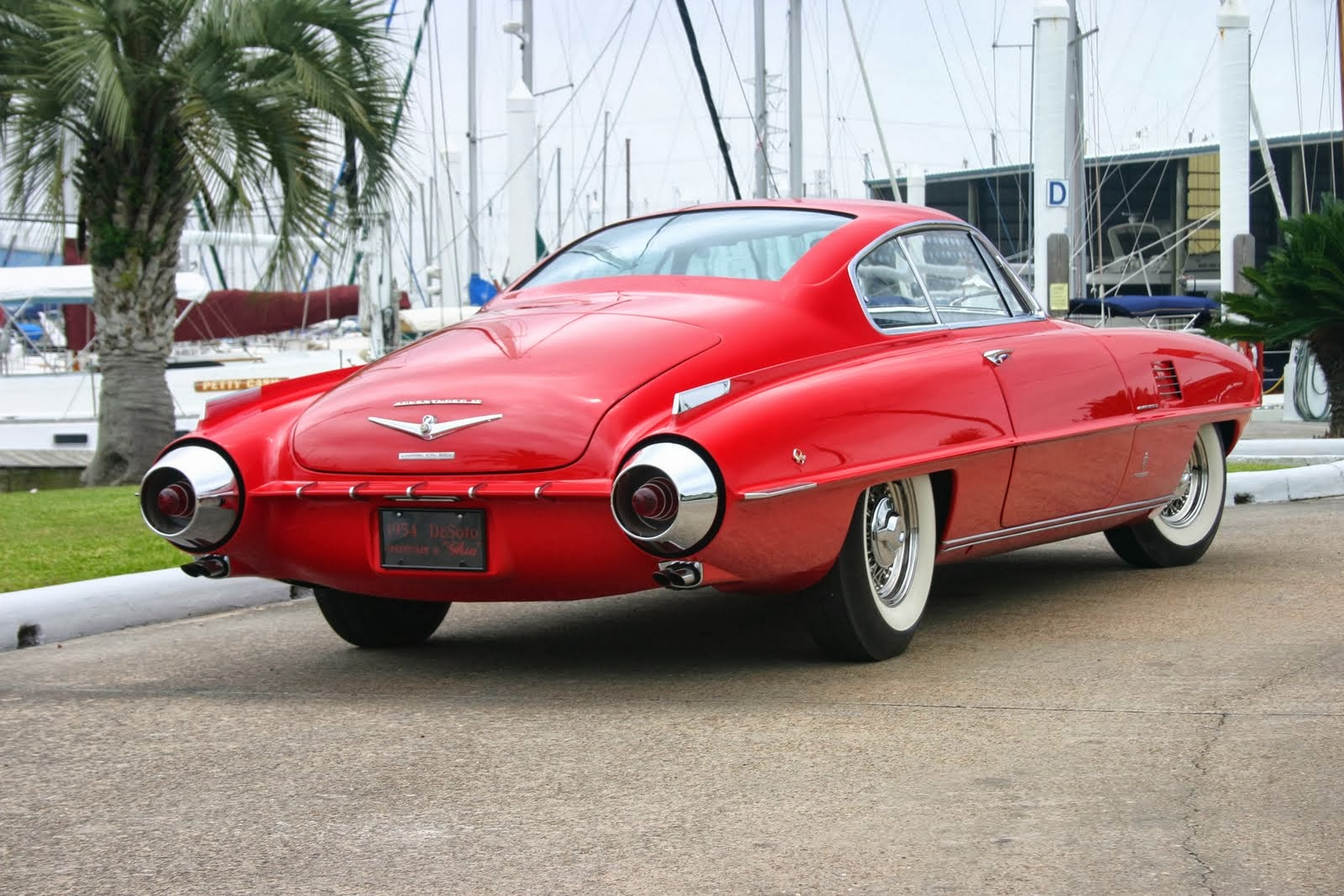 The Ghia Supersonic body was also built on the 8V Fiat. Jaguar XK120 ...