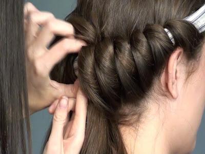 kręcenie włosów na opaskę