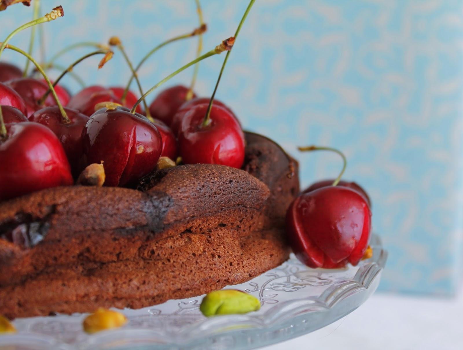 Receta sin gluten Tarta de chocolate y cerezas maceradas