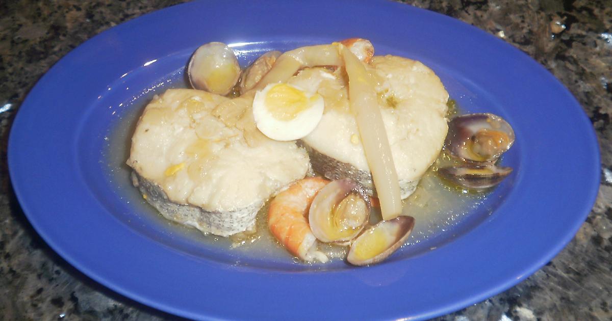 Recetas que s salen como cocinar merluza en salsa con esparragos gambas y almejas - Cocinar merluza en salsa ...