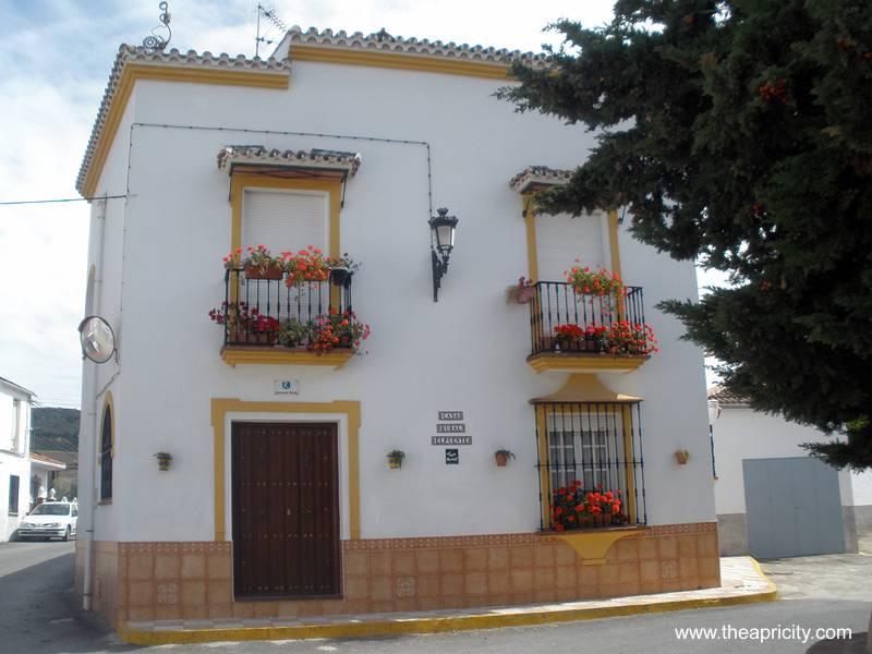 Arquitectura de Casas Casa urbana de estilo andaluz en Argentina