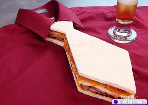 sanduiche em forma de gravata