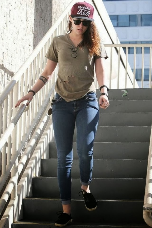 Kristen Stewart con polo roto