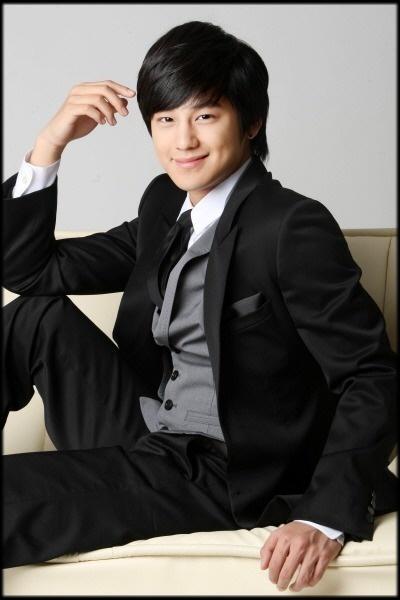 Ulfa Sulistyani Korean Actor Kim Sang Bum