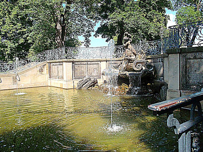 Delphinbrunnen Brühlsche Terrasse