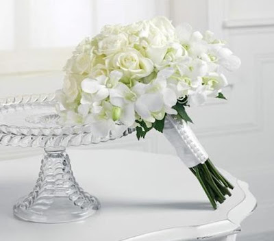 Winter Wedding White Flowers