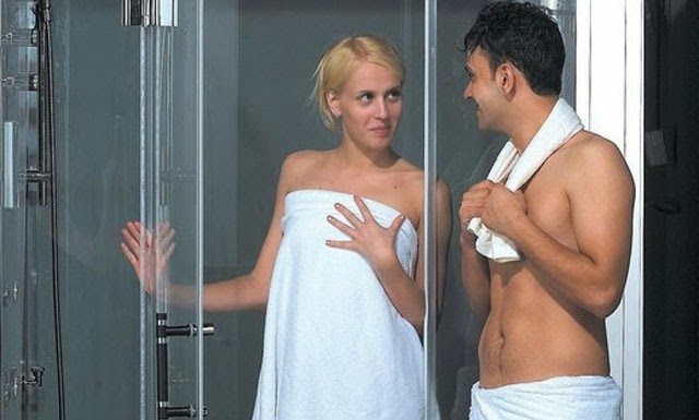فوائد استحمام الزوج والزوجة معا !