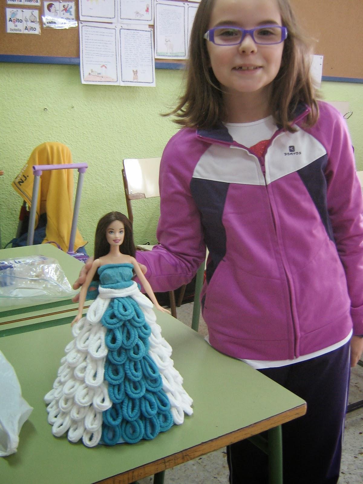 BLOG DE FIESTAS: Muñeca vestida con servilletas de papel