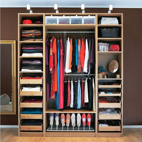http://3.bp.blogspot.com/-sC9BR6S3mNg/UzTo4_bNJcI/AAAAAAAAFZ4/tJeqA1DECnQ/s1600/desain+lemari+pakaian+minimalis.jpg