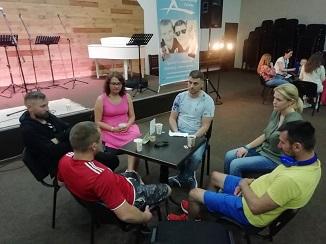 """""""Familie și sănătate sexuală"""" - Conferință creştină a foştilor homosexuali la Kiev, Ucraina"""