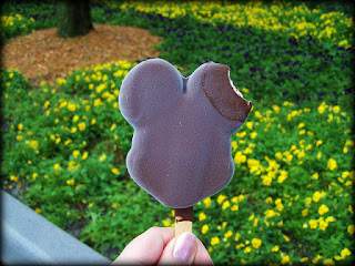 Could you feed a large Disney dining group on Mickey bars?