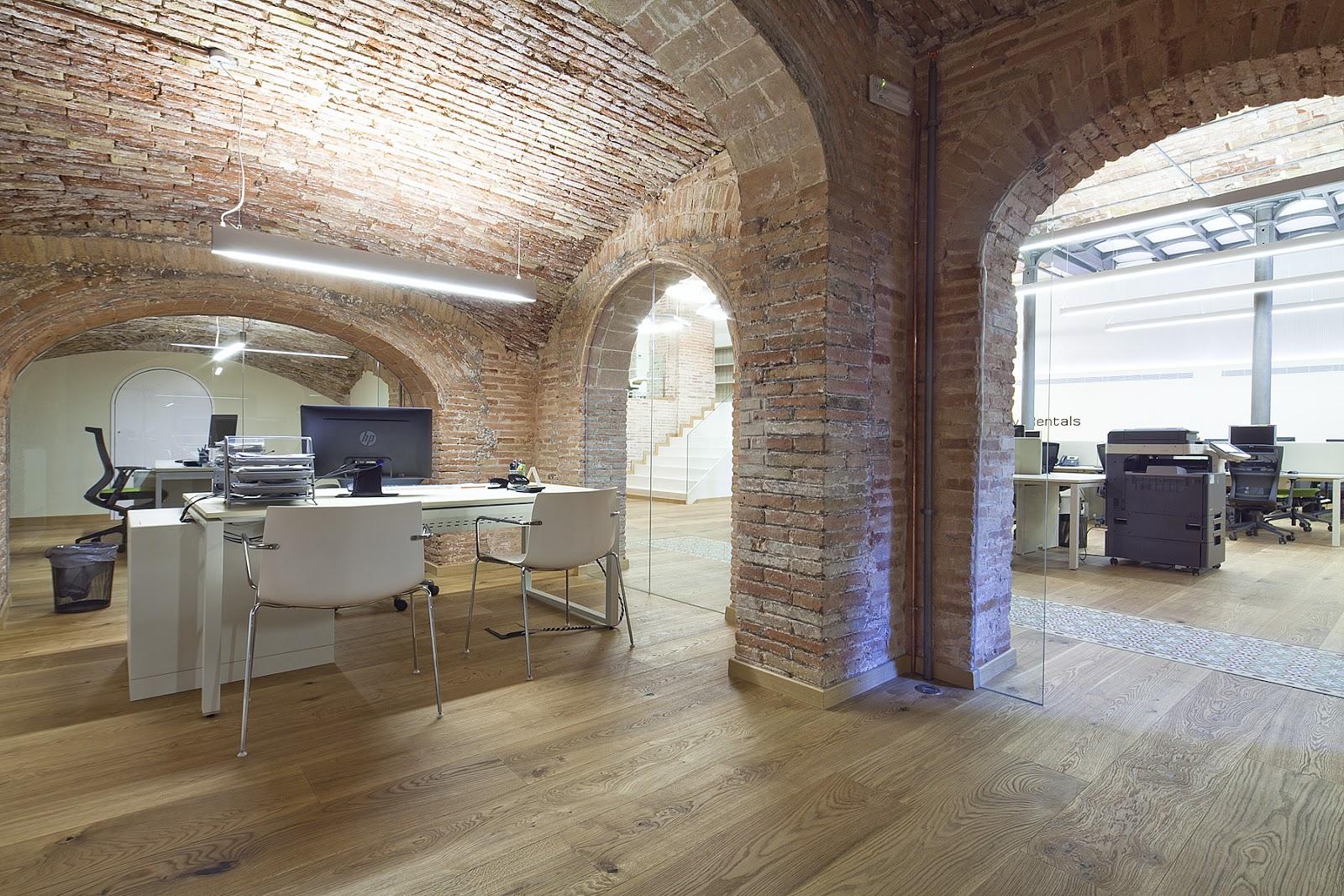 Espacios office alquiler de oficinas oficinas temporales for Oficinas de trabajo temporal en barcelona