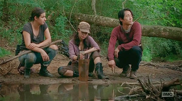 Glenn, Tara y Rosita en The Walking Dead 5x07 - Crossed