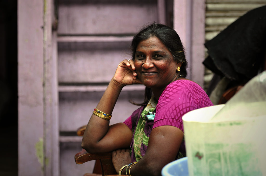 This is an India photo of a woman from Worli in Mumbai