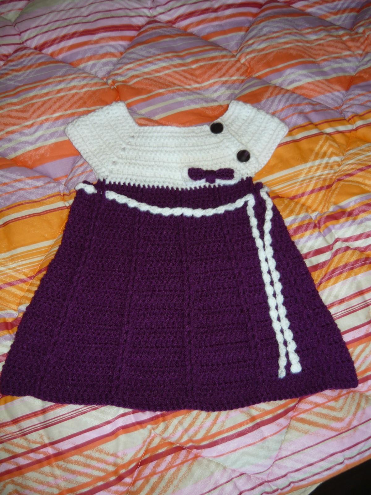 Hainute crosetate-tricotate: rochite toamna -iarna crosetate