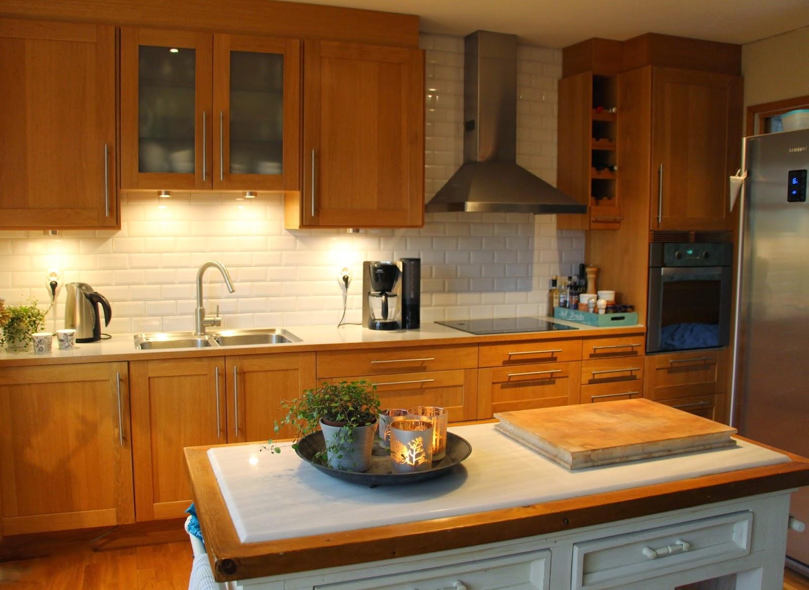 Sabelhagens olivlund : Välkommen in i nya köket, före - efter