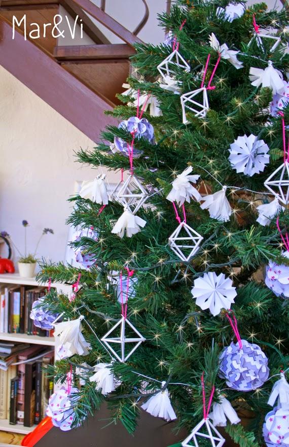 árbol de Navidad en blanco