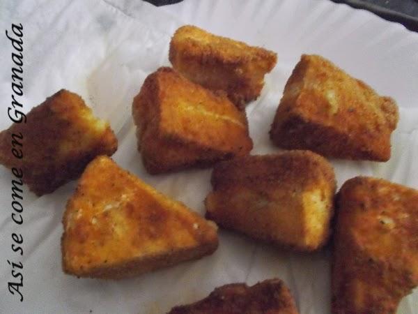 Camembert frito con mermelada de cerezas