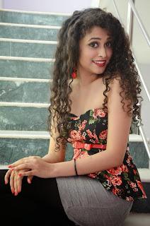 Sowmya Sukumar  latest glam pics 023.jpg