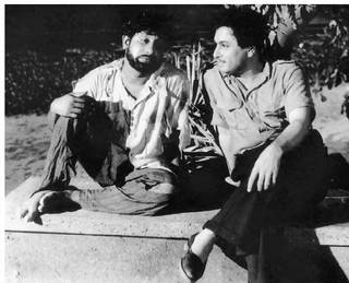 Sivaji Ganesan & MGR in 'Koondu Kili' Movie