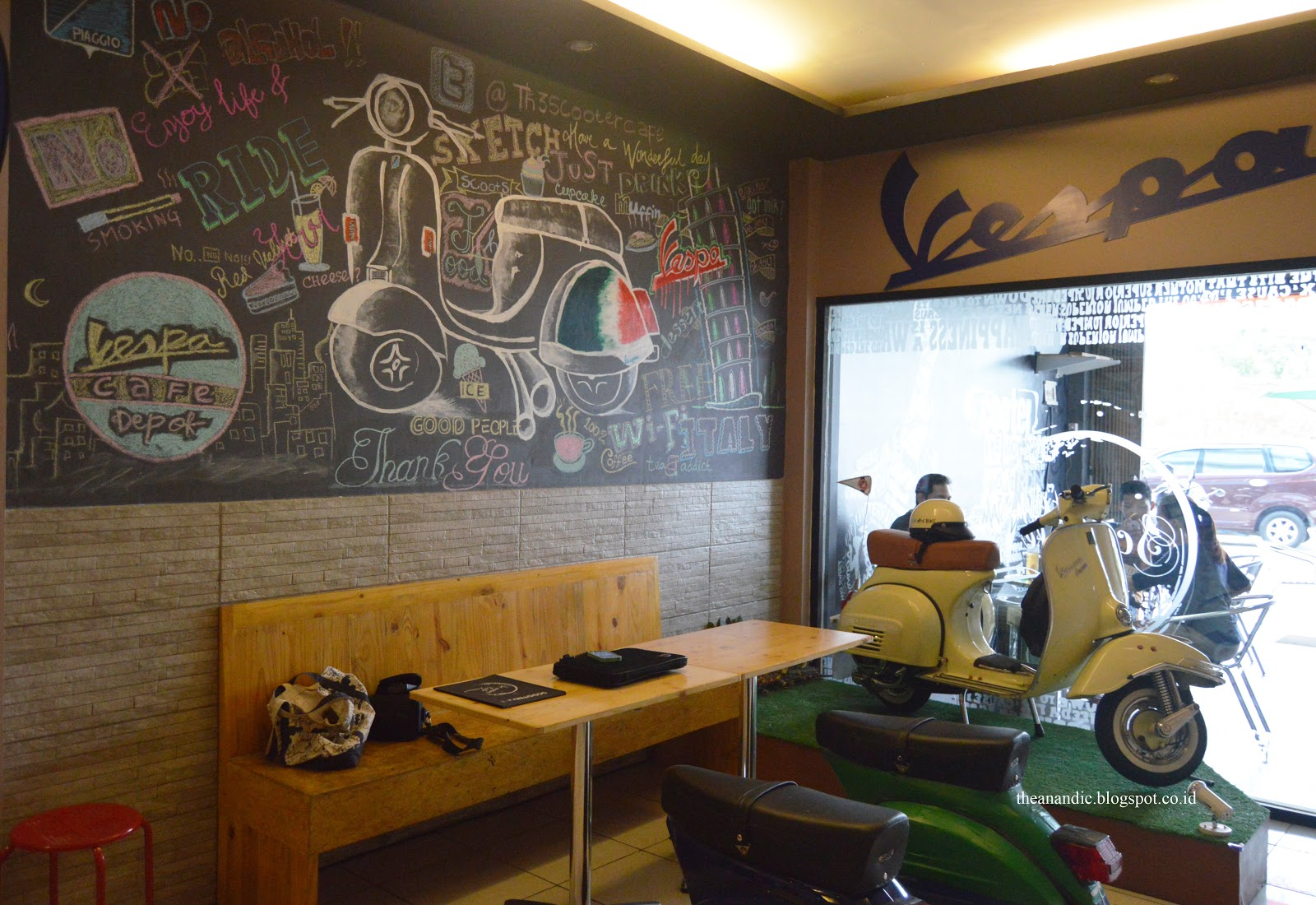 Scooter Cafe