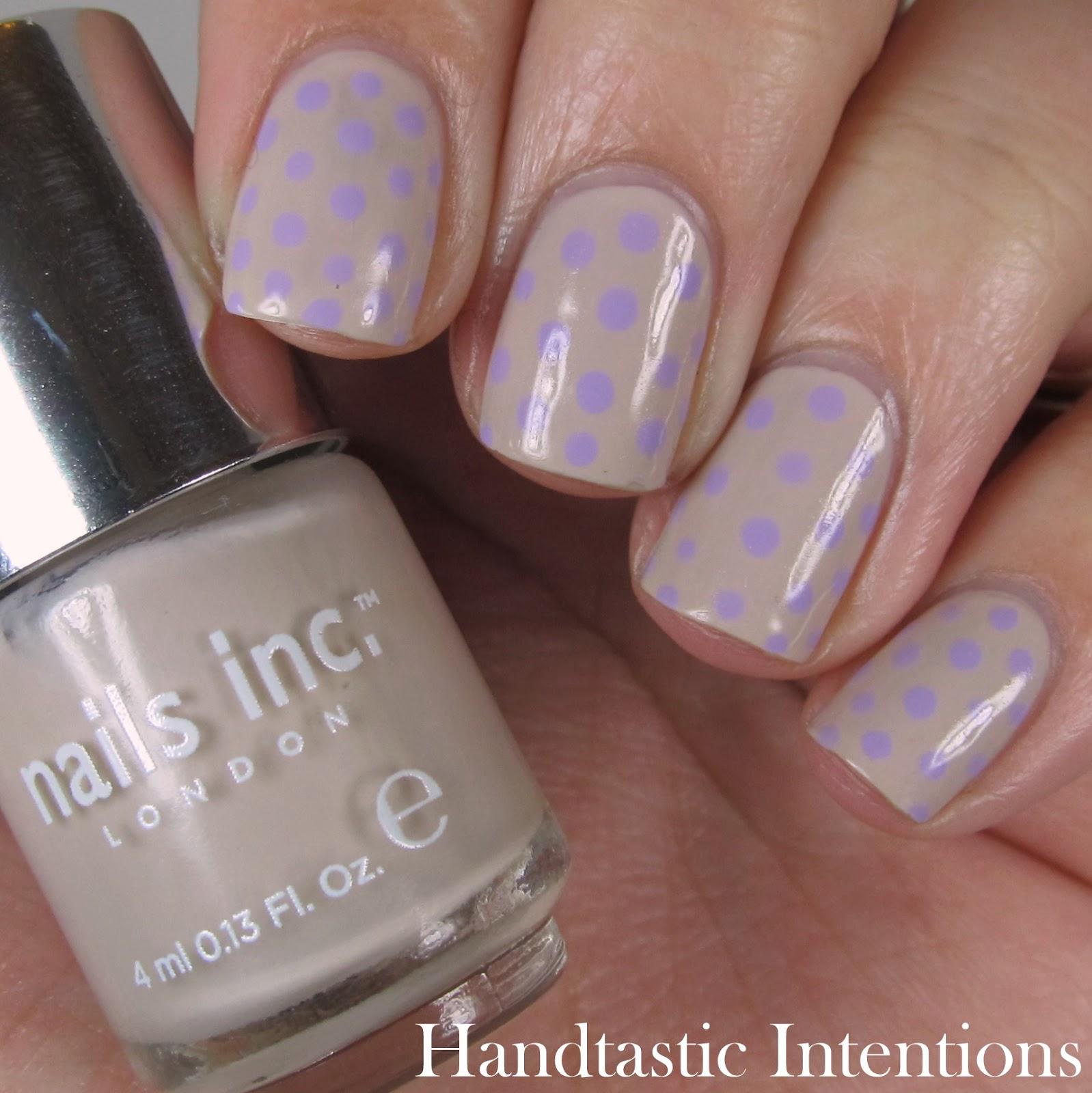 Nail-Art-Polka-Dots-Sally-Hansen-Lacey-Lilac