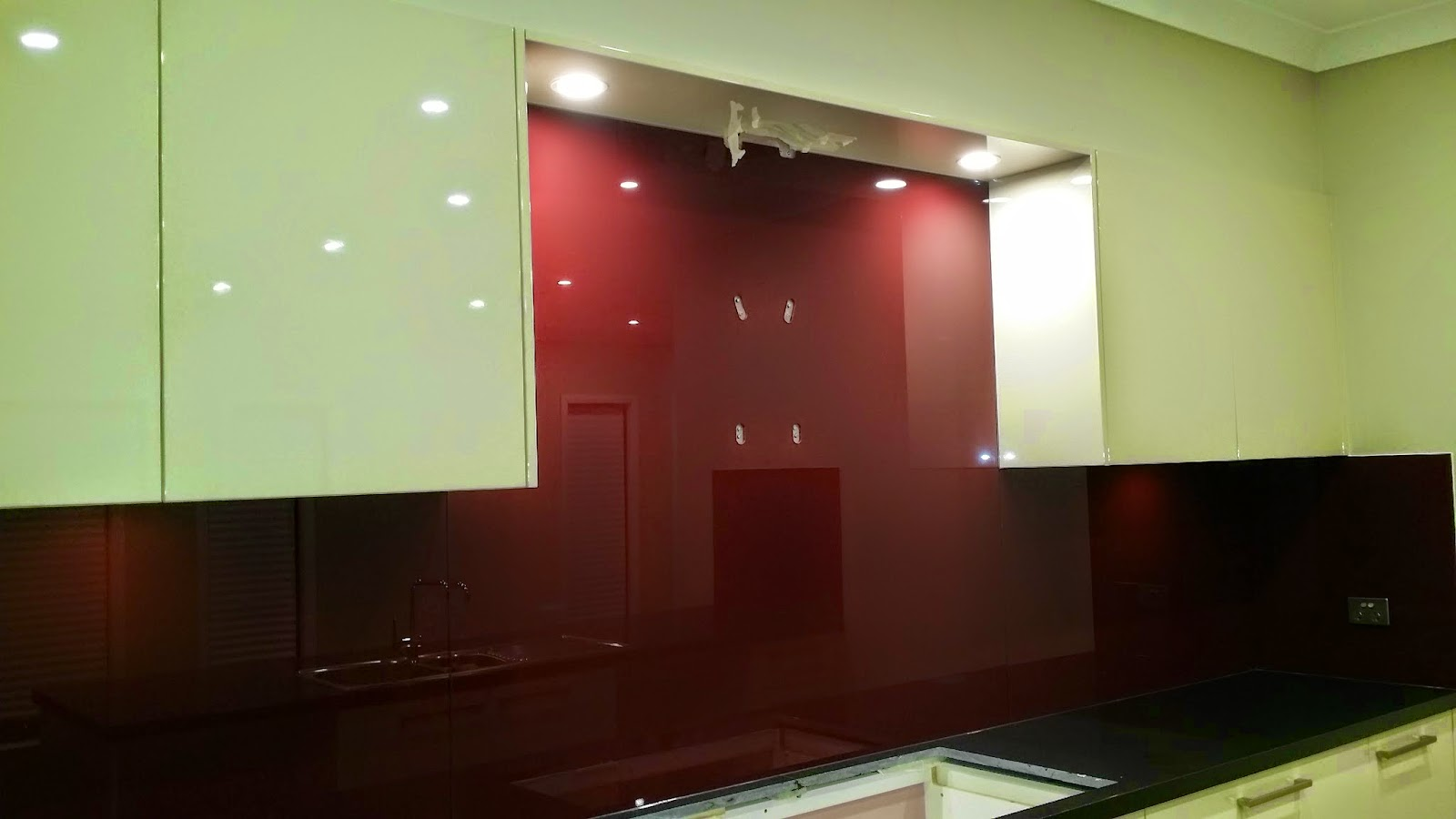 love love love our burgundymaroon coloured resene jumpstart starphire glass splashback refer to earlier posts for full descriptions and specifications