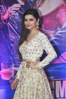 Celebs at Iftar Party by Ekta Kapoor for #OUATIMD promo 16.jpg