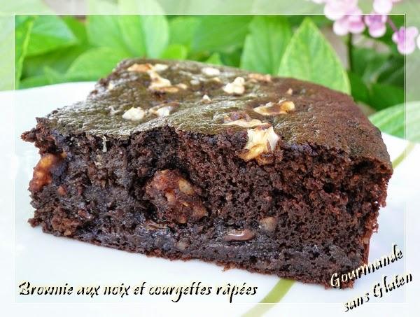 Brownie aux noix et courgettes râpées, sans beurre et sans gluten