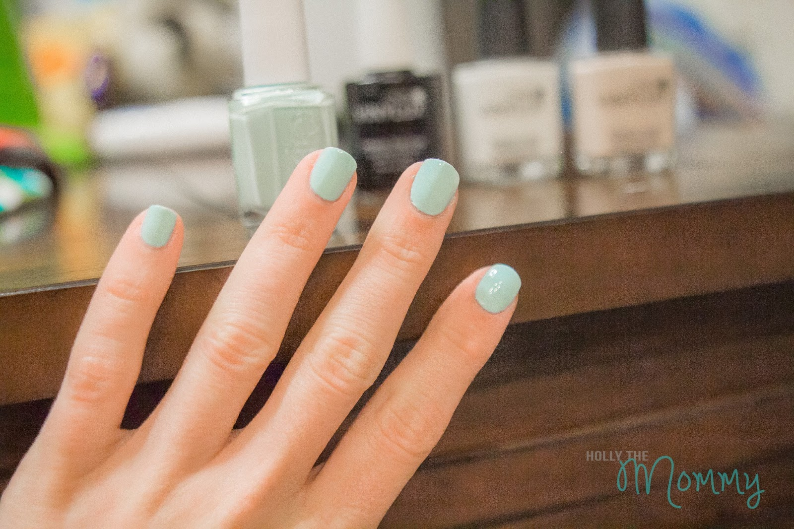 Holly the Mommy: Tasty Shades: Mint Candy Apple & Cream Puff