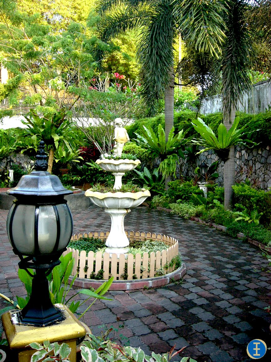 How to create a tropical garden - Different Kinds Of Flowers Also Create Various Texture And Colors In The Garden