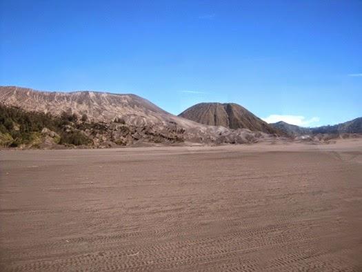 Whispering sands Bromo