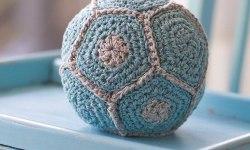 2000 Free Amigurumi Patterns: Rustling Baby Ball: Free ...