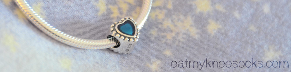 The Soufeel heart charm comes in a deep blue color with cute, detailed edges.